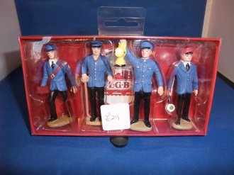 G Scale Figuers Railroad workers